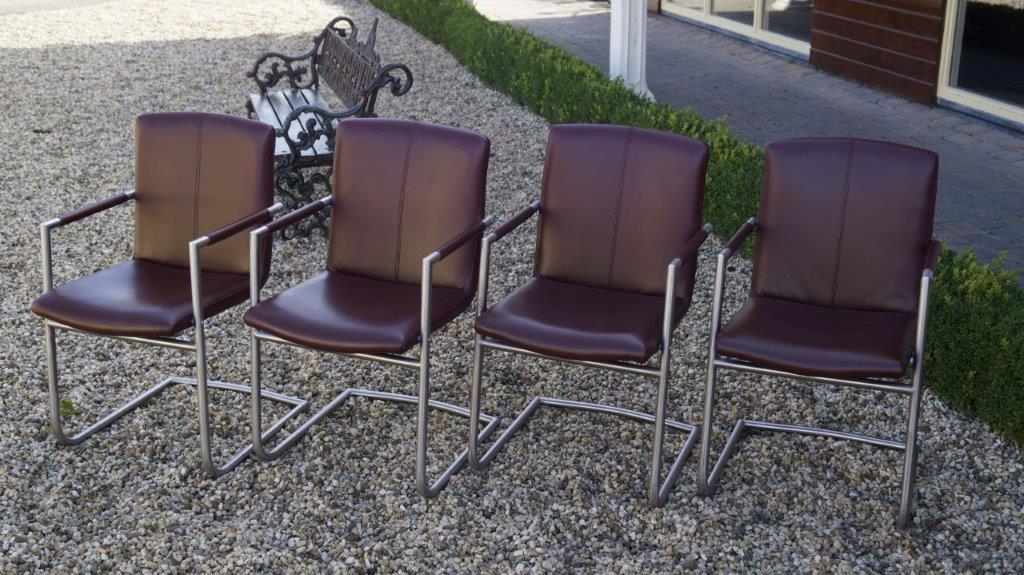 Luxe rund lederen carpanelli eetkamer stoelen jan frantzen - Luxe eetkamer ...