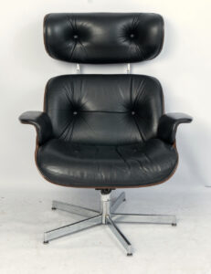 Plywood Swivel Lounge stoel plus hocker van George Mulhauser voor Plycraft 1965.